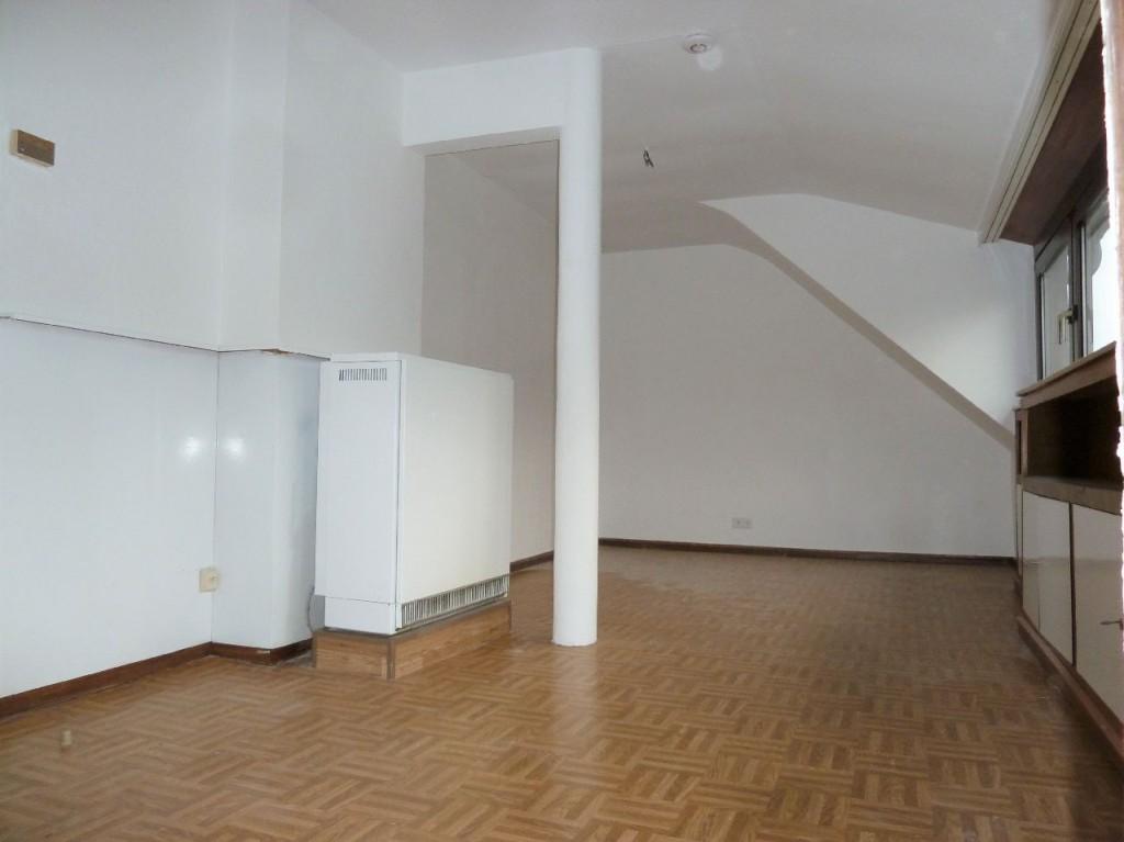 wohnung zur miete in d sseldorf holthausen d sseldorf. Black Bedroom Furniture Sets. Home Design Ideas