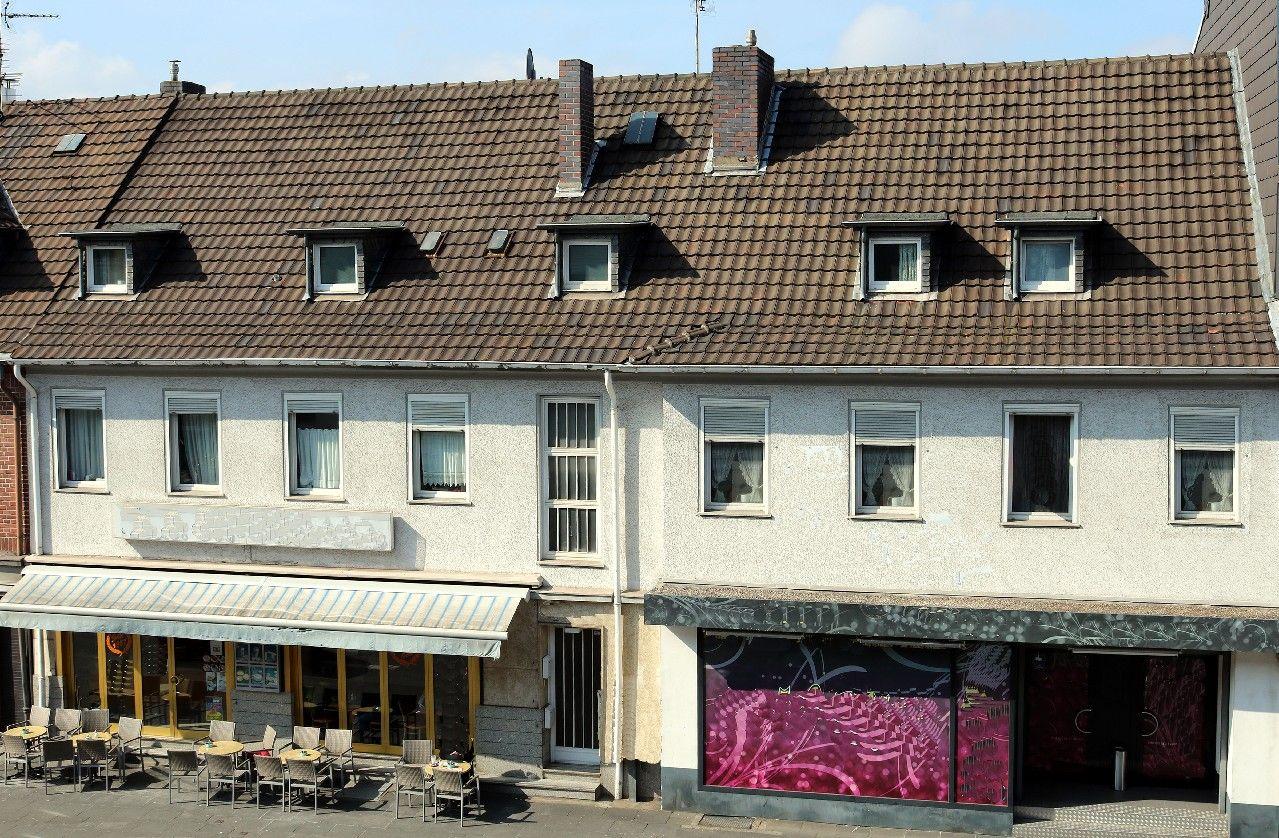 mfh renditeobjekte zum kauf in bonn duisdorf wohn u gesch ftshaus mit enormem. Black Bedroom Furniture Sets. Home Design Ideas