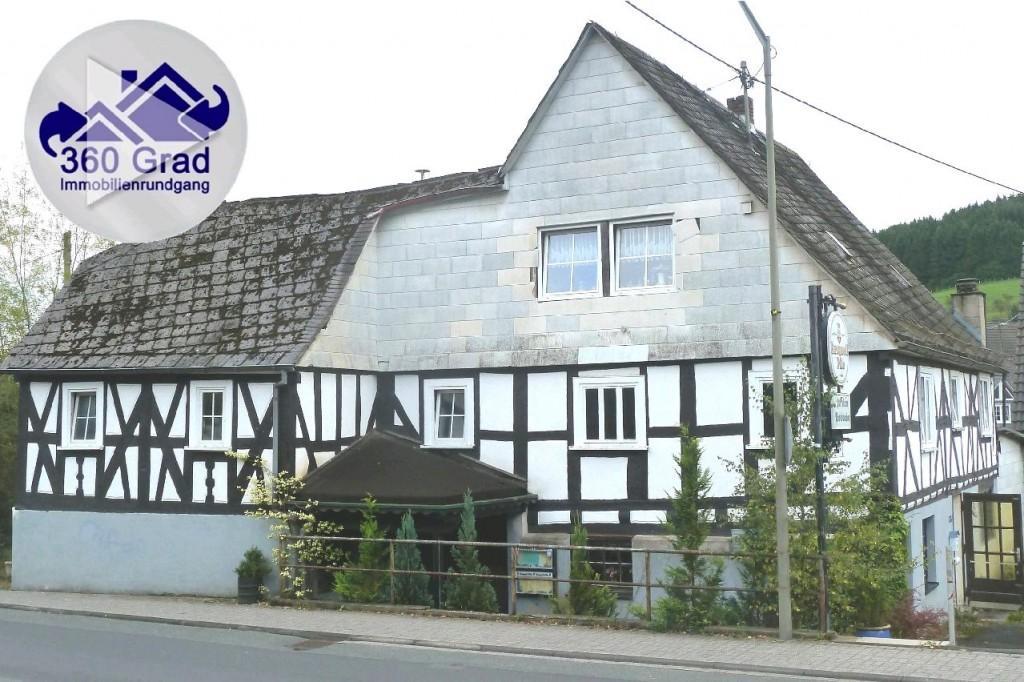 Haus zum Kauf in Herdorf Geräumige Immobilie sucht