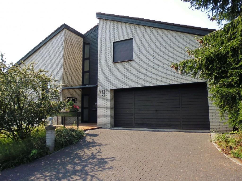 Haus zum Kauf in Dornburg Frickhofen Dreifamilienhaus